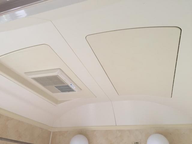 風呂の天井のカビ掃除方法