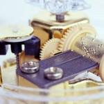 結婚記念日のプレゼントにおすすめのオルゴール。夫から妻への手紙の書き方も紹介。