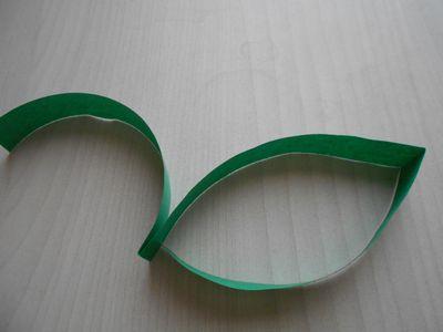 紙テープの笹の枝の作り方9