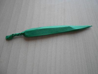 紙テープの笹の枝の作り方12