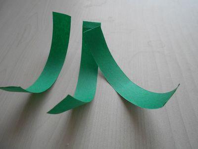 紙テープの笹の枝の作り方2