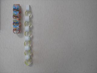 6等分にした折り紙で作った輪つなぎ