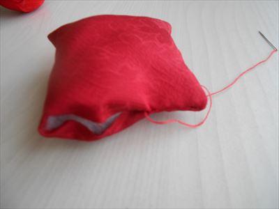 縫い残しの部分を縫い綴じる