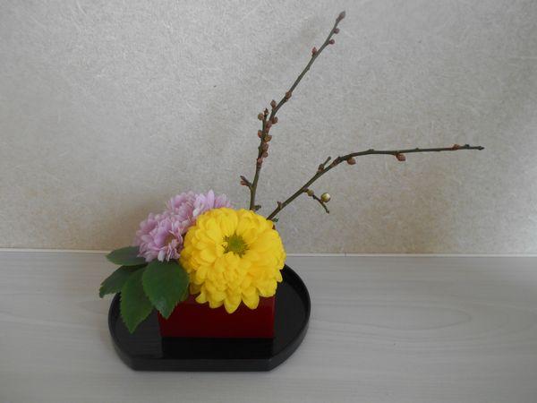 一合枡と菊のアレンジメント